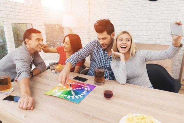 Conoce estos juegos para jugar entre amigos