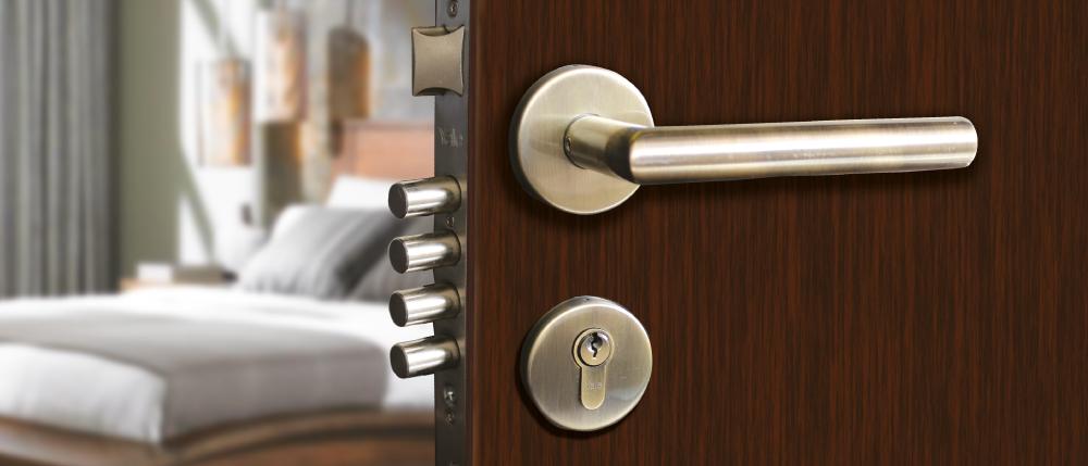 como cambiar la cerradura de la casa