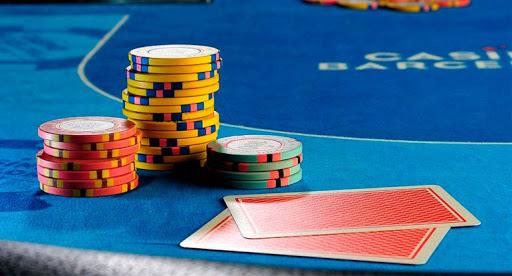 Como jugar bien al póker