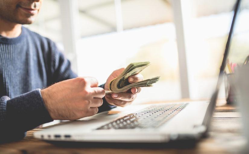 Como se puede ganar dinero por internet