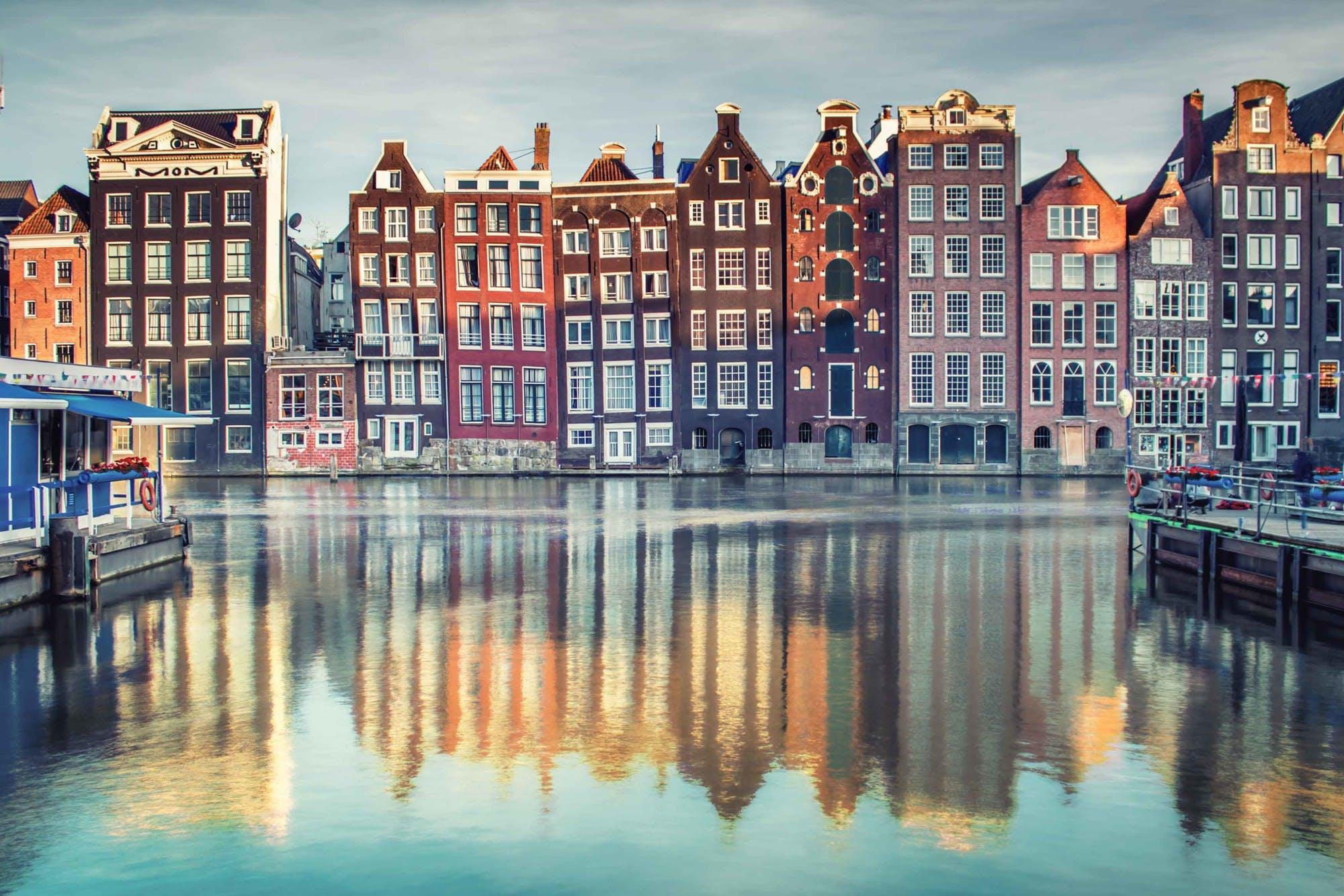 donde está ubicada Ámsterdam